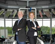Prof. Dr. Walter Schmidt und PD. Dr. Nicole Prommer im Institut für Sportwissenschaft der Universität Bayreuth. Foto: Abteilung Sportmedizin/Sportphysiologie der Universität Bayreuth
