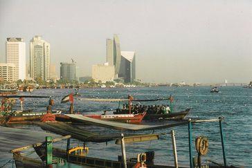 Dubai mit Dubai Creek – Tradition und Moderne (Symbolbild)