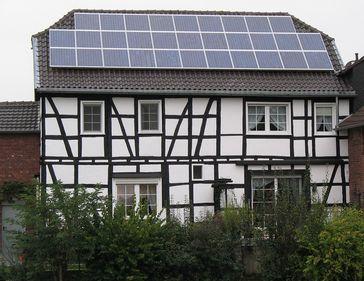 Fachwerkhaus mit Solardach