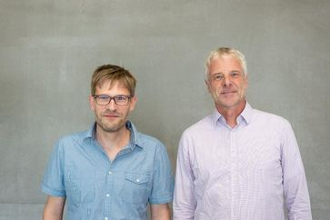 Prof. Dr. Andreas Klocke (r.) und Dr. Sven Stadtmüller (l.) vom FZDW der Frankfurt UAS. Quelle: Kevin Rupp/Frankfurt UAS (idw)