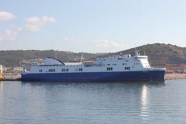 Die Norman Atlantic, vormals Scintu, im Hafen von Olbia (2013)
