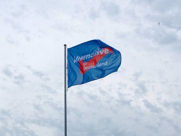Wahlplakat der Alternative für Deutschland Flagge (AfD)