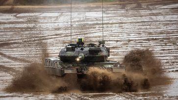 Kampfpanzer LEOPARD 2 Bild: Bundeswehr/Marco Dorow Fotograf: Marco Dorow