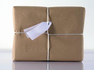 Paket & Päckchen (Symbolbild)