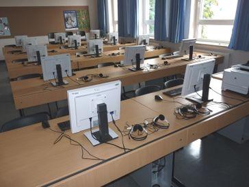 Schule, EDV, Computer, Digitale Universität und Digital (Symbolbild)