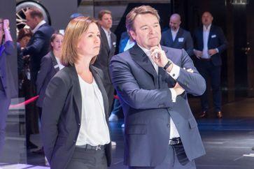 Hildegard Wortmann mit Bram Schot auf der IAA (2019)