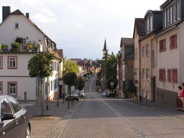 Hugenottenstraße in Friedrichsdorf, Blick nach Westen