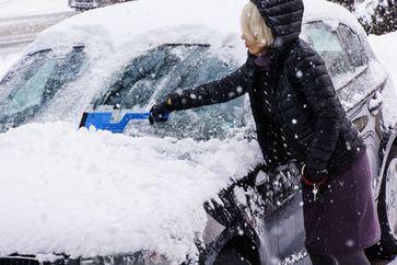 Winter, Schnee & Auto (Symbolbild)
