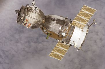Sojus TMA-7 beim Verlassen der Internationalen Raumstation
