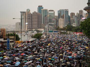 Hongkong: Demonstration vom 18. August 2019 mit 1,7 Millionen Teilnehmern (nach Angaben der Organisatoren)