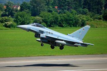 Bild: Presse- und Informationszentrum der Luftwaffe / Ein Eurofighter beim Start!
