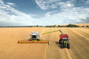 """Das Forschungsprojekt """"EkoTech"""" zielt auf eine Optimierung von Landmaschinen und Arbeitsprozessen in der Landwirtschaft, um Kraftstoff zu sparen und somit den CO2-Ausstoß zu reduzieren. Quelle: Claas (idw)"""