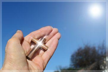 Kreuz & Hoffnung (Symbolbild)