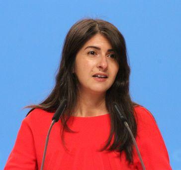 Serap Güler (2014)