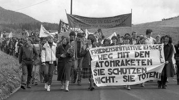 Deutsche Mitte (DM): Aktionen für den Frieden – Friedensmärsche zu Ostern