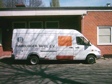 Ein Fahrzeug der HamburgerTafel