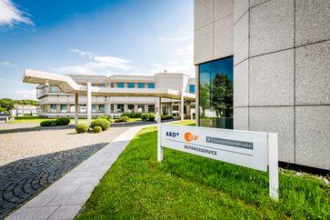 """Gebäudeansicht ARD ZDF Deutschlandradio Beitragsservice / Bild: """"obs/© Beitragsservice/Ulrich Schepp"""""""