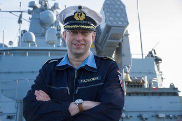 "Kommandant der Fregatte ""Brandenburg"" Fregattenkapitän Jan Hackstein Bild: Kim Brakensiek"