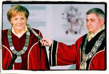 Angela Merkel ist weltweit beliebt - Die Kanzerlin der großen Auslandsgeschenke (2019)