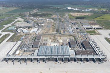 """Geister-Flughafen Berlin Brandenburg """"Willy Brandt"""" (IATA: BER)"""