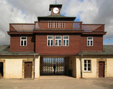 Tor zum Lager im KZ Buchenwald