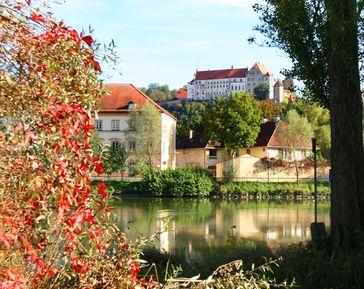 Landshut mit der Burg Trausnitz sind ein perfektes Ausflugsziel für alle, die sich für Kulinarik und Kultur in historischem Flair begeistern. Bild: Verkehrsverein Landshut e.V. Fotograf: Museum für Franken