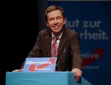 Bernd Lucke 2014 auf der AfD-Bundeswahlversammlung in Aschaffenburg