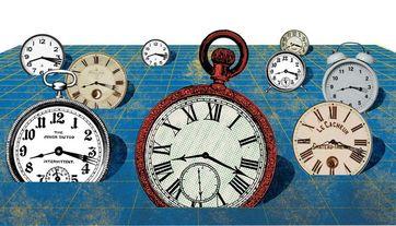 Das idealisierte Bild von Raum und Zeit in Einsteins Allgemeiner Relativitätstheorie ordnet jedem Punkt im Raum eine ideale Uhr zu. Quelle: Copyright: Juan Carlos Palomino, Fakultät für Physik, Universität Wien (idw)