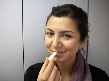 Wie groß mag der Kaugummi sein? Das Urteil ist abhängig vom Hungergefühl, haben Psychologen der Universität Würzburg herausgefunden. Quelle: Foto: Sascha Topolinski (idw)