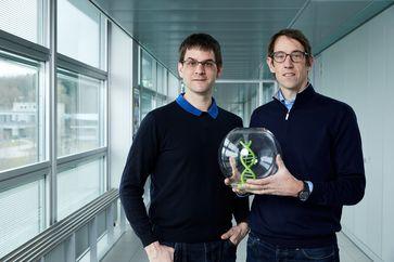 Robert Grass (rechts) und Wendelin Stark (links), Finalisten des Europäischen Erfinderpreises 2021  Bild: Europäisches Patentamt (EPA) Fotograf: Europäisches Patentamt (EPA)
