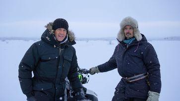 Markus Lanz trifft Niila, einen samischen Rentierzüchter, in Kiruna. Bild: ZDF Fotograf: ZDF/Silke Gondolf