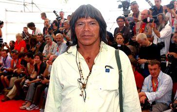 Ambrósio Vilhalva 2008 bei der Premiere des Films 'Birdwatchers' beim Filmfestival in Venedig.  Bild: Survival