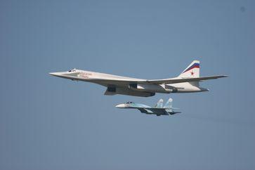 Ту-160 и Су-27
