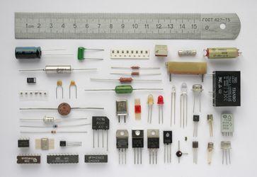Verschiedene elektronische Bauelemente