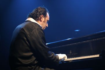 Chilly Gonzales in Toronto 2009.