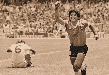 Maradona im Viertelfinale gegen England (WM 1986), Archivbild