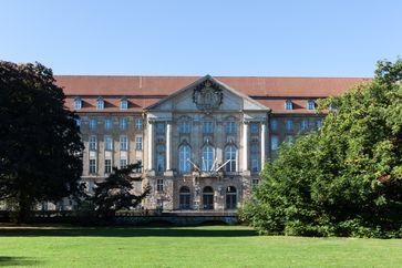 Landesverfassungsgerichtshof des Landes Berlin im Gebäude des Kammergerichts