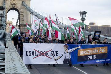 """Ungarn: Volk erhebt sich gegen """"Sklavenarbeit"""""""