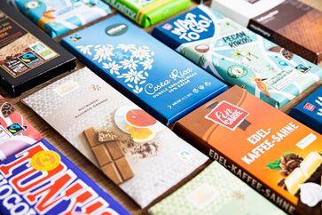 Der Gewinner unter den Fairtrade-Produkten im ersten Halbjahr 2021 ist eindeutig die Tafelschokolade.  Bild: Fairtrade Deutschland Fotograf: Jakub Kaliszewski