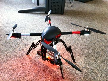 Modell-Quadrocopter mit rein elektronischer Stabilisierung