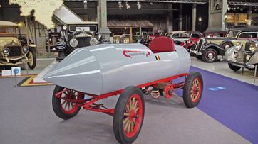 Camille Jenatzys Rekordwagen La Jamais Contente, das erste Fahrzeug, das schneller als 100 km/h fuhr, 1899.Bild: SWR Fotograf: SWR - Südwestrundfunk