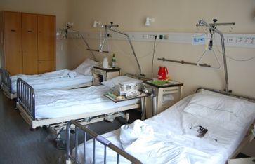 Die Krankenhäuser sind leer - Normale Patienten bekommen keine Termine mehr (Symbolbild)