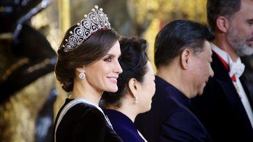 """Repräsentieren gehört zum Job: 53 Auslandsreisen hat Letizia in den ersten fünf Jahren als Königin unternommen und 32 Staatschefs in Madrid empfangen. Nutzungszeitraum bis: 02.10.2019 Bild: """"obs/ZDF/Jonas Köck"""""""