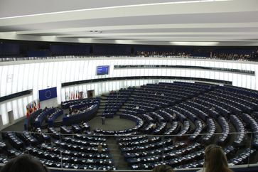 Das Europäische Parlament (auch Europaparlament oder EU-Parlament) mit offiziellem Sitz in Straßburg.