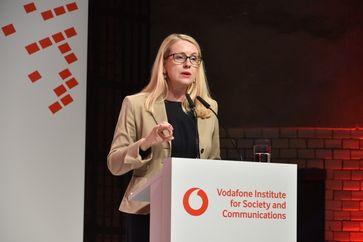 Margarete Schramböck (2019)