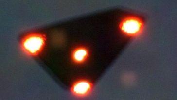 Fotografie eines angeblichen UFOs (Belgien, 1990)