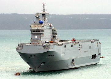 Die Mistral-Klasse ist eine Klasse konventionell betriebener Hubschrauberträger der Französischen Marine. Bislang wurden drei Exemplare gebaut, das Typschiff Mistral (L9013), die Tonnerre (L9014) und die Dixmude (L9015).