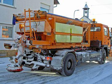 Winterdienst-Streufahrzeug