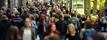 Überfüllte Fußgängerzone, Verkehrsstau und endlich wieder Sonntag bis Sonntag arbeiten?