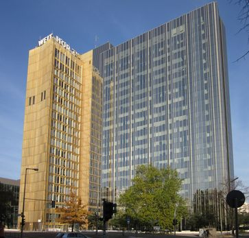 Hauptsitz des Axel Springer Verlags in Berlin an der ehemaligen Sektorengrenze, 2010